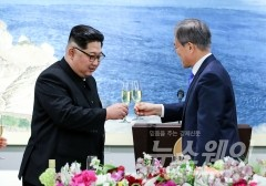 文대통령·金위원장 핫라인, 韓美대화 전 성사될 듯