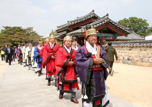 김해시 가락국시조대왕 숭선전 춘향대제 봉행