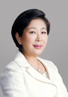 """현정은 현대그룹 회장 """"'금강산 관광' 올해 안에 열렸으면"""""""