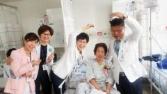 현대유비스병원, `어버이날 카네이션 달아드리기` 행사 성료