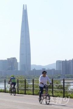전국 흐리고 큰 일교차…미세먼지 '나쁨'