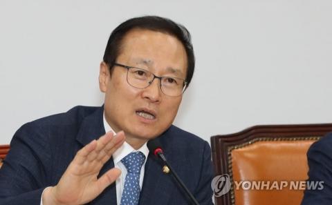 """홍영표 """"빈곤률 가속화, 최저임금 상승 문제 아니다"""""""