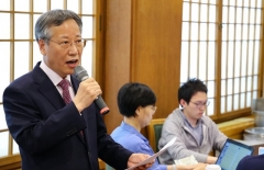 """'일자리 저하' 우려에 입 연 靑일자리수석 """"사실 계속 늘었다"""""""