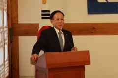 '6자회담 초대수석' 이수혁이 본 文대통령·美트럼프 단독회담