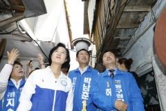 박남춘 인천시장 후보, 공식 선거운동 첫날 세월호 희생자 추모탑 참배