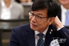 """김상조 """"아시아나 기내식 사태, 불공정 행위 발견 시 강경 조치"""""""
