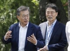 김동성-장하성 불화설… 청와대·기재부 공식 부인에도 '모락모락'