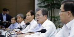 文 대통령 지지율 하락, 최저임금 인상 후폭풍?