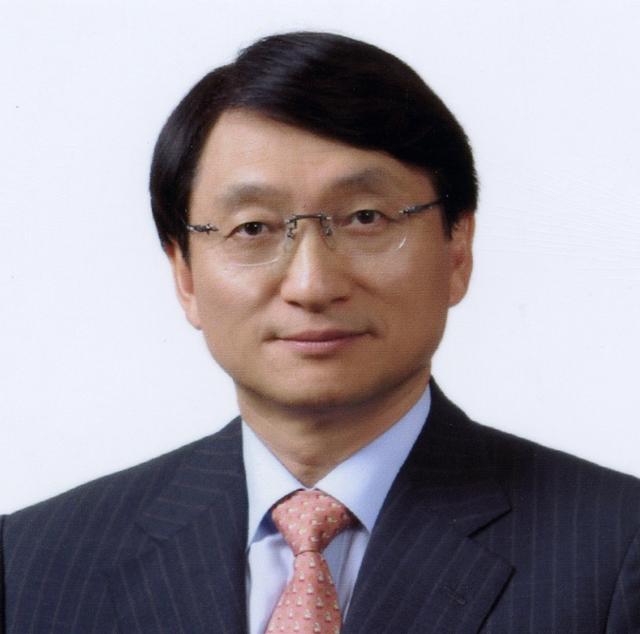 허일섭 GC녹십자 회장, 작년 9억 수령