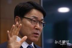 최정우 포스코 회장 '취임' 첫 조직개편…장인화 사장 철강총괄 임명