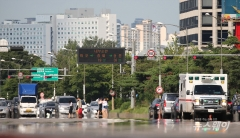 다시 찾아온 폭염… 서울 최고기온 34도