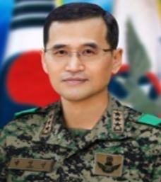 文 대통령, 새 기무사령관에 육군특전사령관 남영신 중장 임명