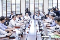 文 대통령, '폭염'에 따른 '전기요금' 부담 완화 약속