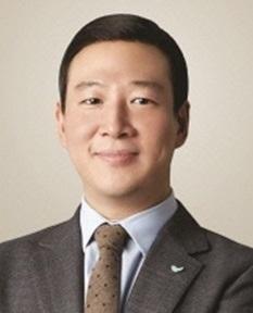 '액상대마 밀수·흡연 혐의' 허희수 SPC 부사장 구속기소
