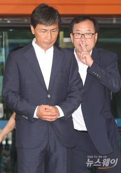 안희정 발목 잡은 페북 사과문