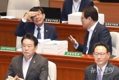 """김상조 """"부산서 조선 하도급 갑질 100건 접수…신속처리"""""""