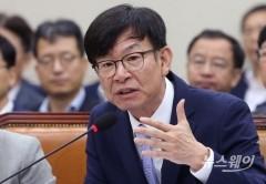 """김상조 """"새 공정거래법 기업옥죄기 아냐"""""""