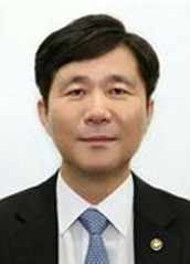 국장→장관까지 2년 반, 성윤모 산업부장관 내정자 초고속 승진의 비결은?
