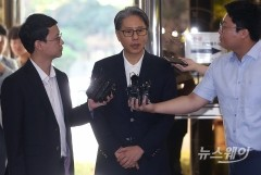 담철곤 오리온 회장, 경찰소환…암초에 부딪친 4대 신사업