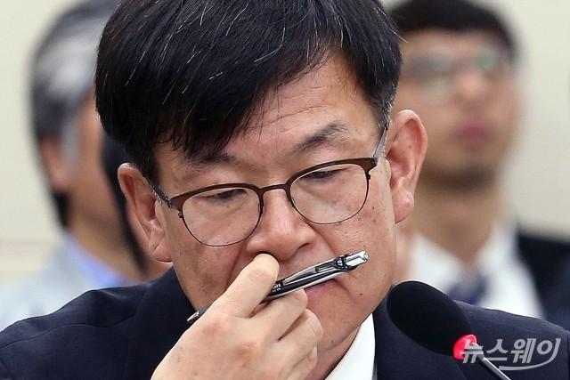 [사건의 재구성]김상조는 판사출신 국장을 왜 업무배제시켰을까?