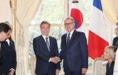 """프랑스 하원의장 만난 문 대통령 """"北 비핵화 조치, 프랑스가 동력이 돼달라"""""""