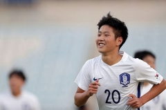 이강인, 발렌시아 1군 데뷔…한국 선수 최연소 기록