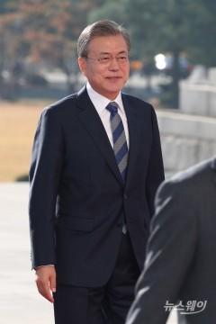 """문 대통령 """"3차례 남북정상회담, 한미 연합방위 뒷받침 덕분 """""""