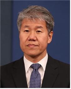 김수현 신임 청와대 정책실장, 종부세 도입한 도시정책 전문가
