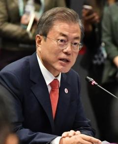 """문재인 대통령 """"내년 한·아세안 특별정상회의에 김정은 초청 검토"""""""