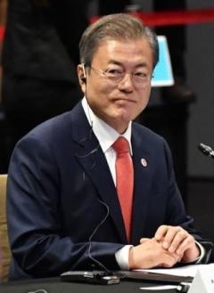 """문 대통령 """"북핵 문제 진전 거두고 있다"""""""