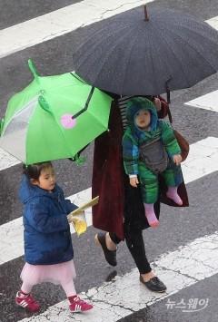 오늘 날씨, 전국 흐리고 비