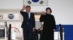 문 대통령, 서울공항 귀국…한반도 평화정착 거듭 강조