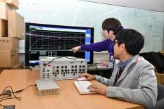 KT, 국내최초 차량사물통신기술 단말기 개발