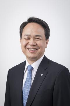 진옥동 신임 신한은행장 내정자 과제는 '리딩뱅크 탈환'