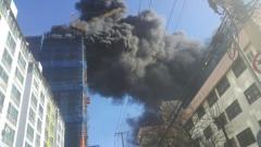 부산 18층짜리 신축건물 화재…인명피해 없어