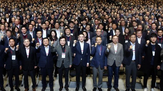 [행간뉴스]마곡·캐주얼·생산직···구광모 회장의 '실용 LG'