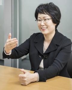 '수은 첫 여성 임원' 김경자 수은 본부장, 유리천장 어떻게 뚫었나