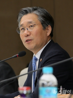 """성윤모 """"주력산업 고도화·새 먹거리 발굴해야"""""""