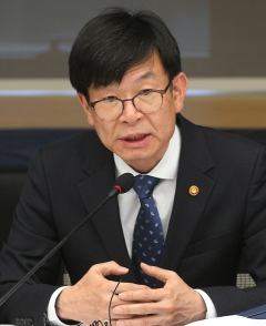"""김상조, 또 재벌 언급…""""대기업 파산으로 외환위기 경험"""""""