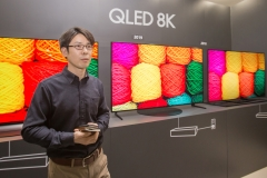 """삼성전자, 'QLED 8K' TV 속도전···""""이달 유럽 거래선 미팅"""""""