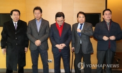 """심재철·정우택·안상수, 불출마 최종결정…""""출마의사 철회"""""""