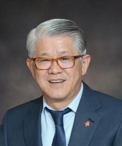 최신원 SK네트웍스 회장, 32억5000만원 수령
