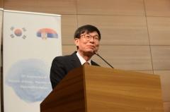 """김상조 """"현대차는 훌륭, 삼성은 아쉬워""""⋯엇갈린 주총 평가"""