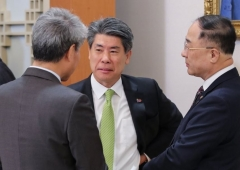 """靑 """"서민·중산층 주거안정, 부동산 가격 하향안정 계속돼야"""""""