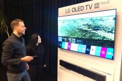미국·유럽 간 LG 올레드 TV…올해 200만대 '정조준'