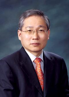 윤도준 동화약품 회장, 8억9900만원 수령