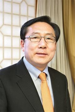 김기문 제이에스티나 회장, 지난해 보수 6억5600만원