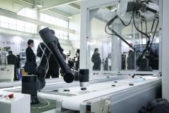 4차산업 핵심 인프라…B2B 확산 속도가 '관건'