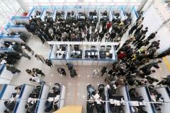 용인시, '채용박람회' 기업·구직자 대성황···현장면접서 1차 142명 통과