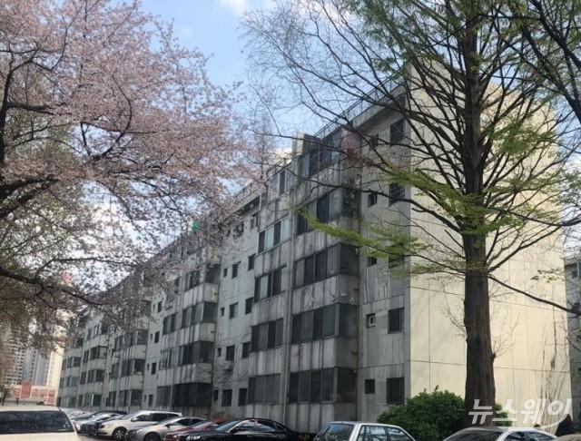 서울 재건축 아파트값 상승폭 둔화